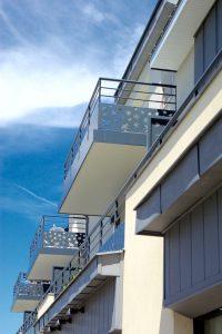 terrasses avec garde corps en acier découpé Body Menuiserie