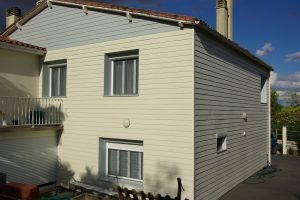 Isolation par l'extérieur avec bardage bi-color Nueil les Aubiers -79