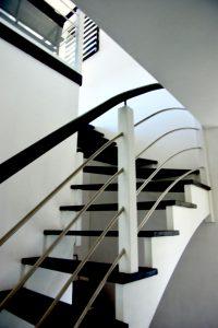 Pose d'un Escalier bois 1/4 tournant sans contre-marche Voulmentin -79