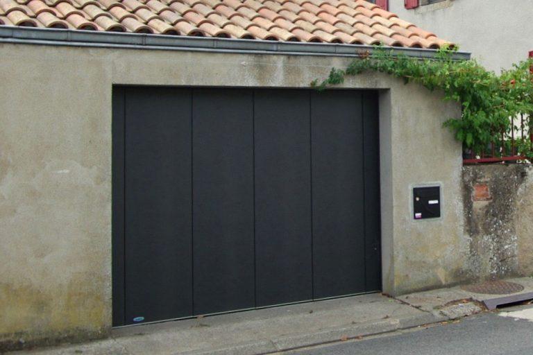 porte latérale de garage double parois isolée Rénovation Nueil les aubiers -79
