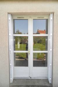 Porte Fenêtre côté extérieur avant rénovation La Boissière de Montaigu -85